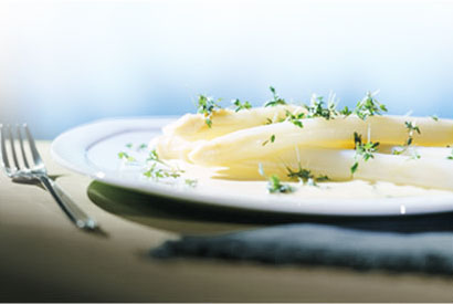 White asparagus pair with Loire Valley Sauvignon Blanc wines